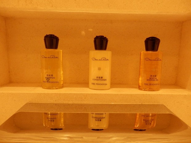 DELUXE RIVER ROOM: TOILETRIES