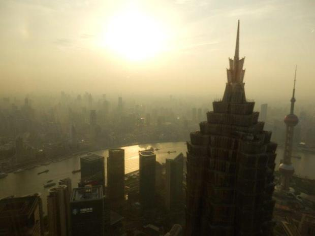 VIEW TOWARDS THE BUND FROM THE LOBBY LOUNGE (SUNSET)