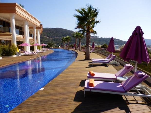 GRAND SUITE: PRIVATE TERRACE AND POOL