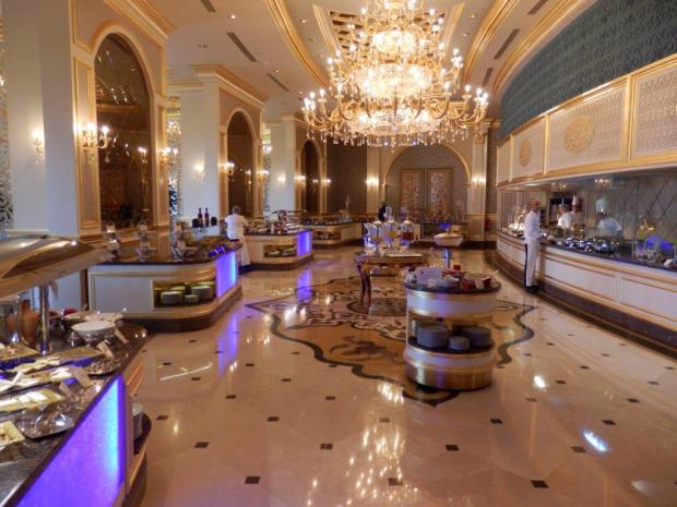 BREAKFAST BUFFET AT GLORIETTE RESTAURANT