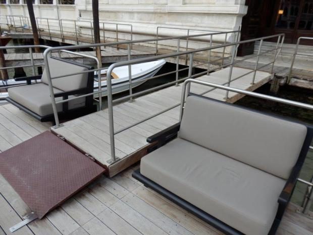 HOTEL EXTERIOR: PRIVATE BOAT DECK