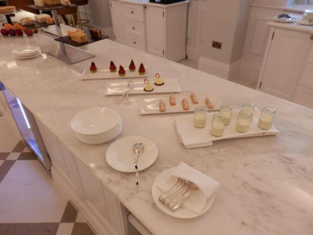 THE LANGHAM CLUB LOUNGE: AFTERNOON TEA