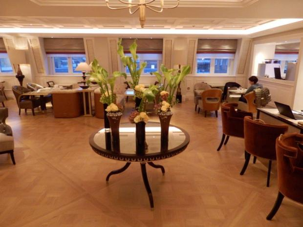 THE LANGHAM CLUB LOUNGE