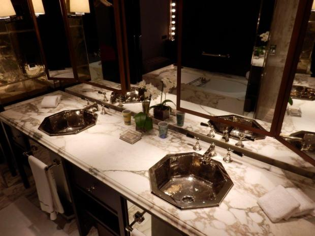 PREMIER SUITE: BATHROOM
