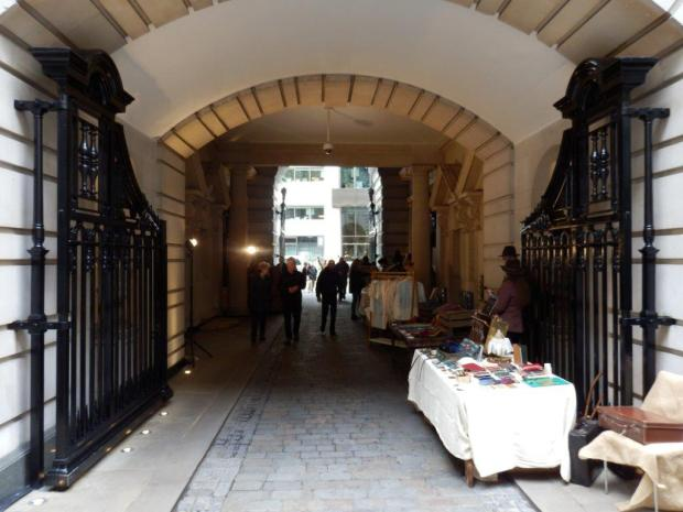 CARRIAGEWAY: ENTRANCE TO COURTYARD