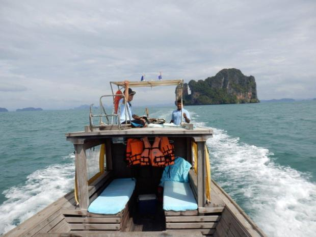 ISLAND HOPPING BY LONGTAILBOAT