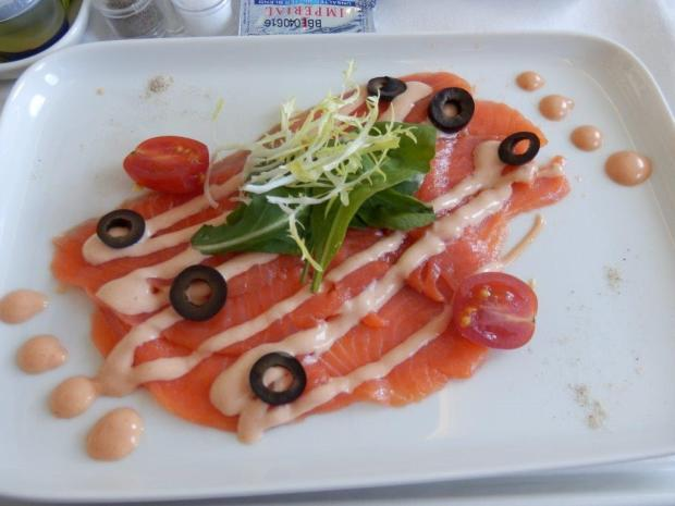 LUNCH: STARTER: SMOKED SALMON