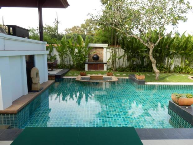 SPA SANCTUARY VILLA: PRIVATE GARDEN & POOL