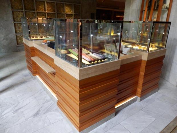 LOBBY: MANDARIN ORIENTAL CAKE SHOP