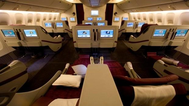 QATAR AIRWAYS BOEING 777-200 BUSINESS CLASS