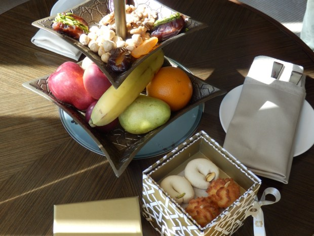 DELUXE ROOM: WELCOME SNACKS