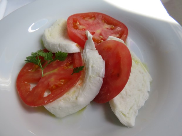 LUNCH - STARTER: BUFFALO MOZZARELLA WITH TOMATO