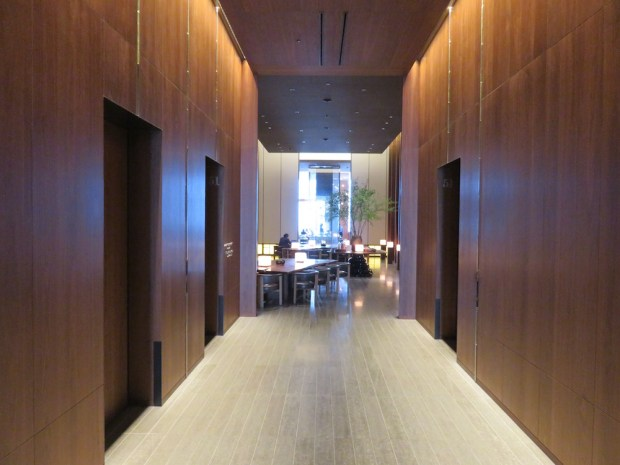 LOBBY: ELEVATORS TO GUEST ROOMS