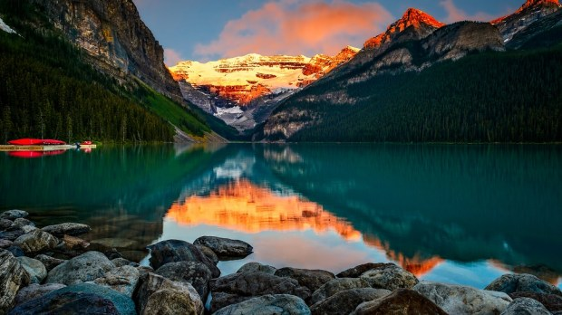 WATCH THE SUNRISE AT LAKE LOUISE