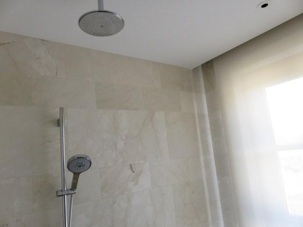 VIEW ROOM - BATHROOM