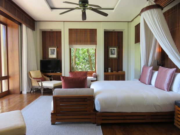 OCEAN PANORAMIC VILLA: BEDROOM