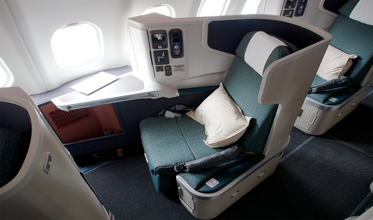 cathay pacific new business class interior classes Singapore Airlines vs Cathay Pacific: which one is best?