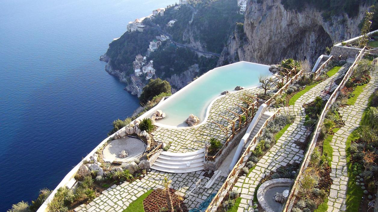 Monastero santo rosa hotel spa amalfi coast italy for Top 20 hotels in the world