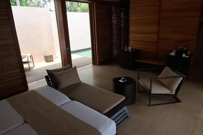 AMANWELLA: SUITE - BEDROOM