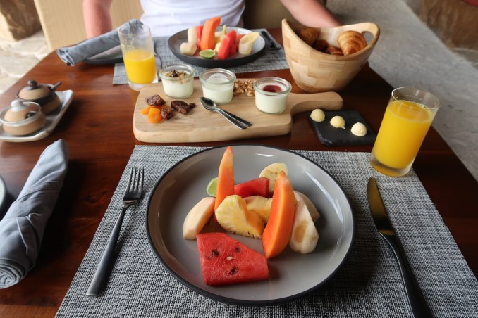 WILD COAST TENTED LODGE: FULL BREAKFAST