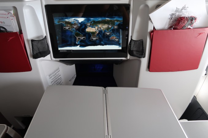 AUSTRIAN AIRLINES B777 BUSINESS CLASS SEAT