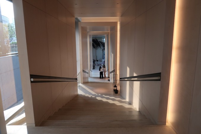 PARK HYATT BANGKOK: STAIRS TO LIVING ROOM