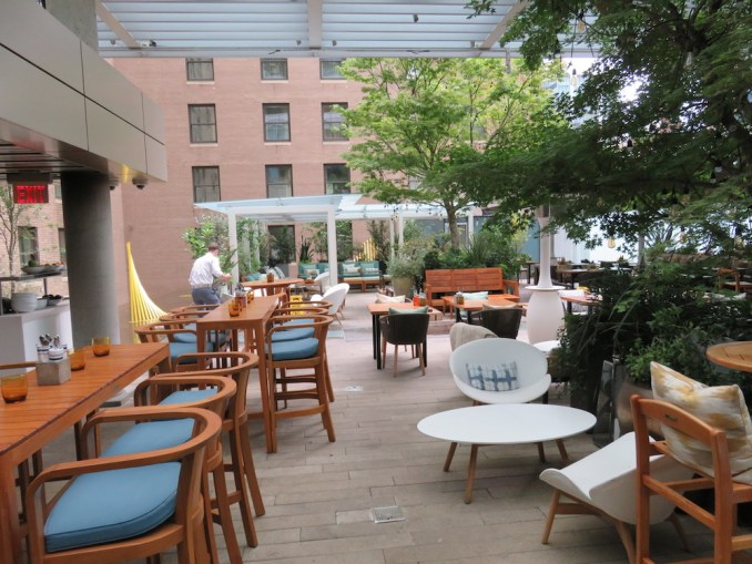 ROSEWOOD HOTEL GEORGIA: REFLECTIONS THE GARDEN TERRACE