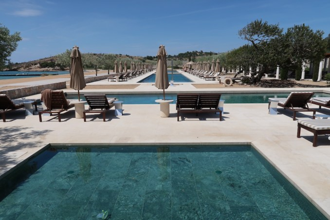AMANZOE BEACH CLUB: CHILDREN'S POOLS