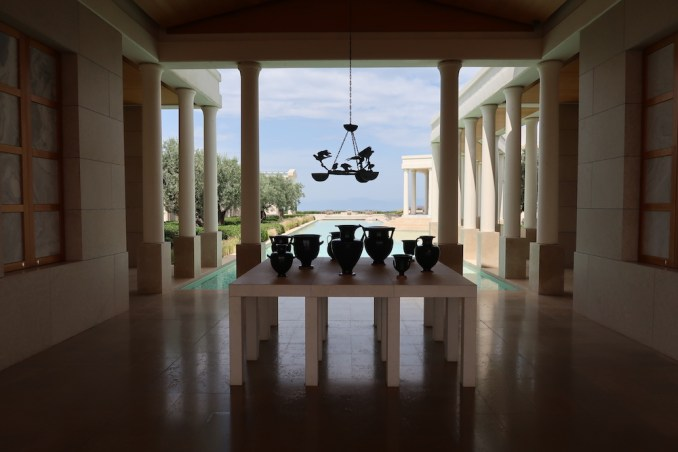 AMANZOE CENTRAL PAVILION: RECEPTION AREA