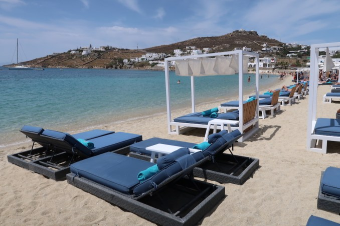 ORNOS BAY MYKONOS: BEACH CLUB