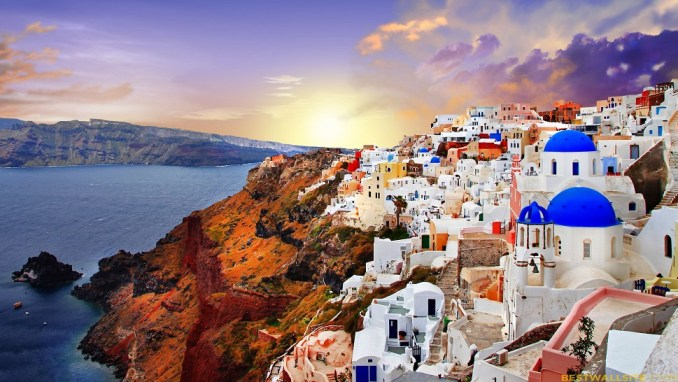 WATCH THE SUNSET IN SANTORINI