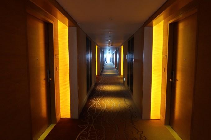MARINA BAY SANDS: GUEST ROOM FLOOR