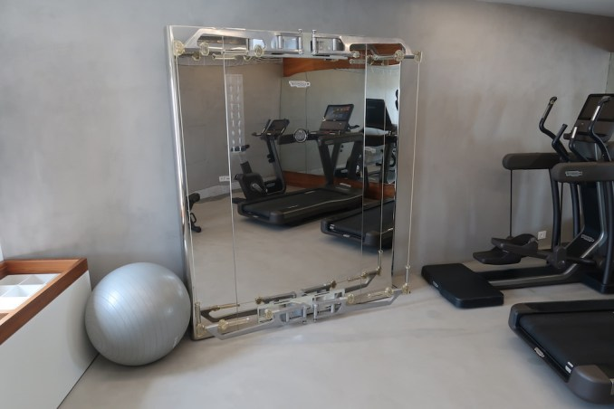GRACE SANTORINI: GYM