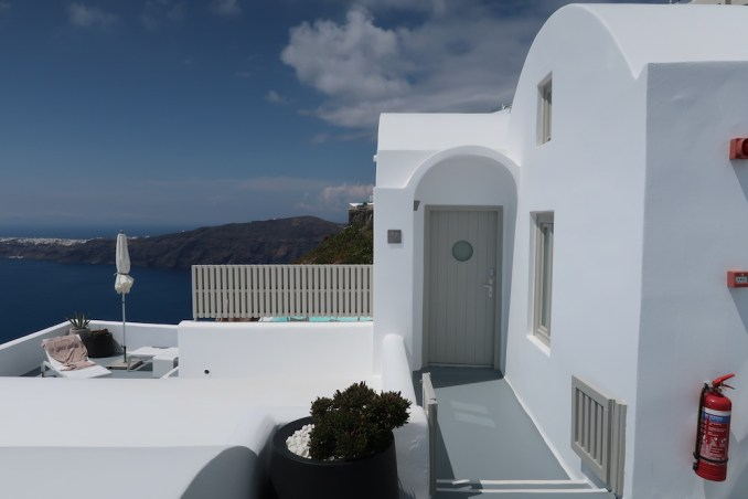 GRACE SANTORINI: SUPERIOR SUITE - ENTRANCE