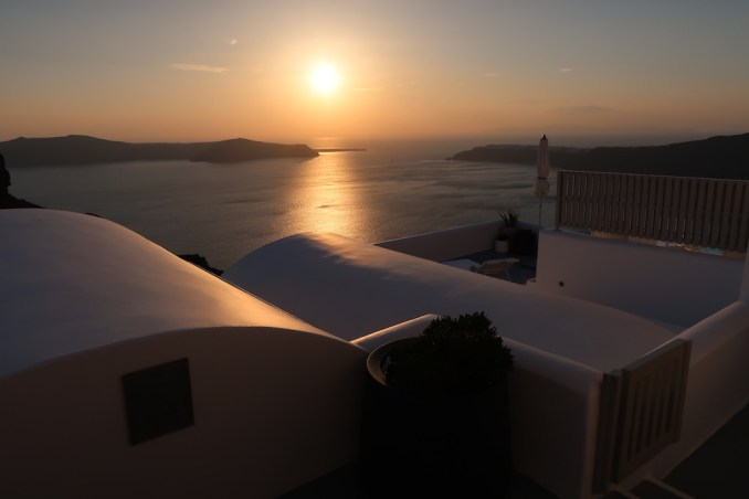 GRACE SANTORINI: SUNSET