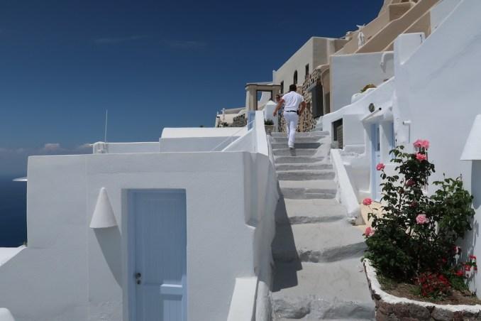 IMEROVIGLI: WALKWAY TO HOTEL