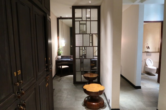 MANDAPA: SPA - LOCKER ROOM