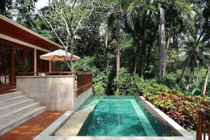 FOUR SEASONS SAYAN: ONE BEDROOM VILLA - TERRACE