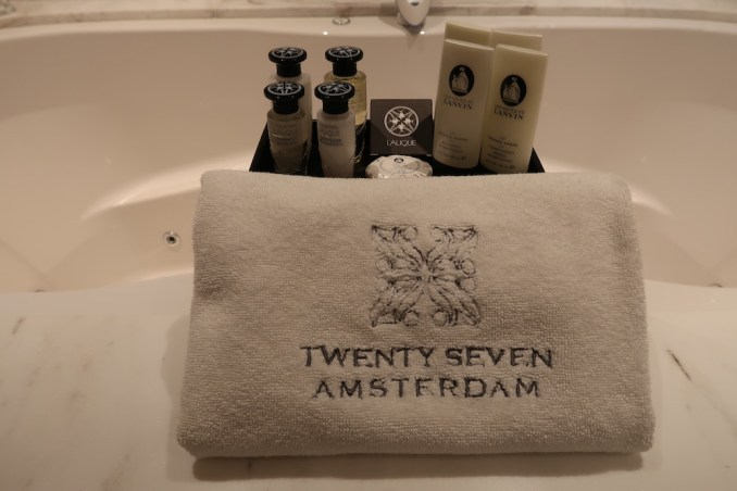 HOTEL TWENTYSEVEN: ONE BEDROOM SUITE