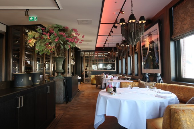 HOTEL TWENTYSEVEN: RESTAURANT BOUGAINVILLE