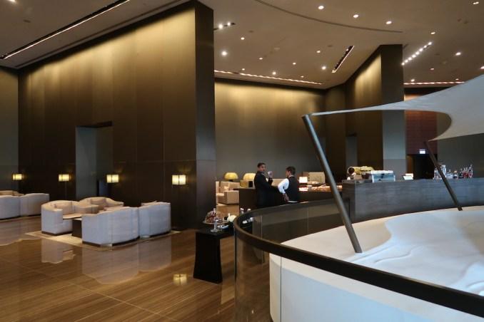 ARMANI HOTEL DUBAI: LOBBY LOUNGE