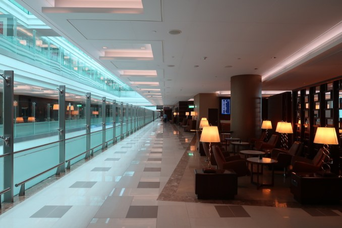 EMIRATES FIRST CLASS LOUNGE AT DUBAI