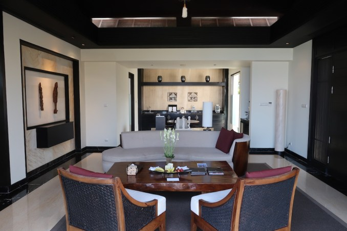 BANYAN TREE UNGASAN: OCEAN VIEW VILLA - LIVING ROOM