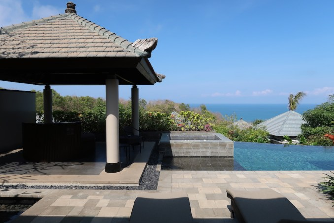 BANYAN TREE UNGASAN: OCEAN VIEW VILLA - TERRACE & POOL