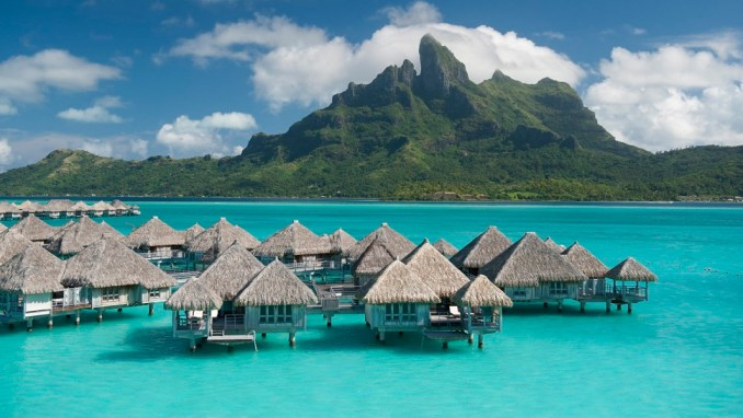 ENJOYING ISLAND LIFE IN BORA BORA