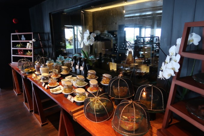 BULGARI BALI: BREAKFAST AT SANGKAR RESTAURANT