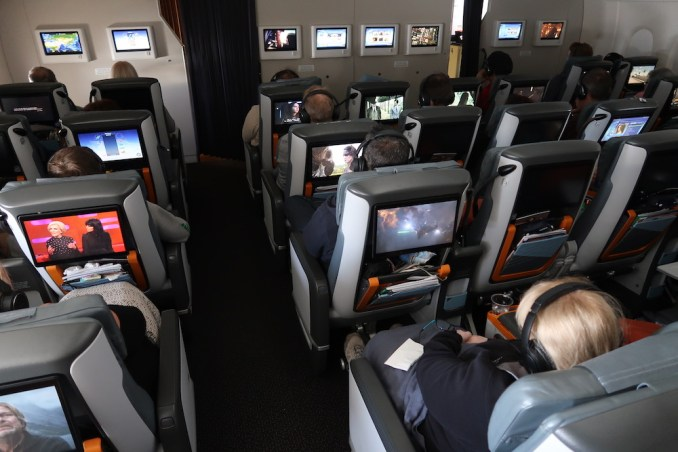 SINGAPORE AIRLINES A380: PREMIUM ECONOMY CLASS
