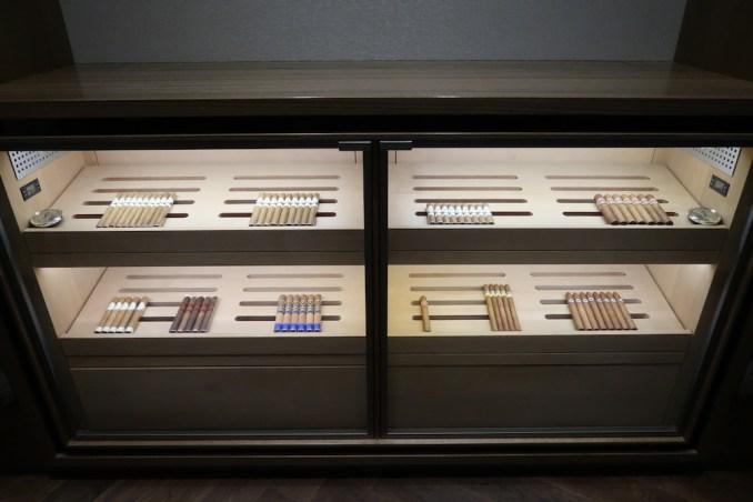 THE FONTENAY HAMBURG: SMOKERS ROOM
