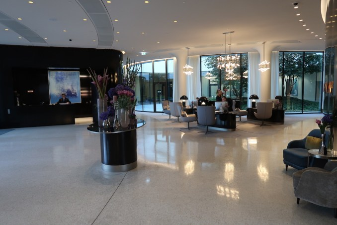 THE FONTENAY HAMBURG: LOBBY