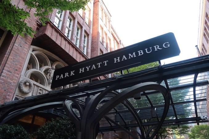 PARK HYATT HAMBURG: ENTRANCE